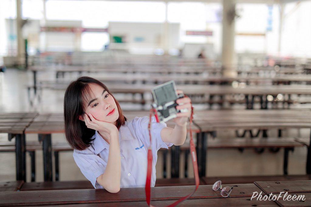 โทนนักเรียน ผิวอมชมพู แต่งด้วยแอพ Lightroom